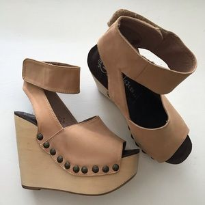 Jeffrey Campbell Amuck Wedge Size 6